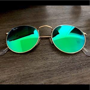 Raybans round green sunglasses